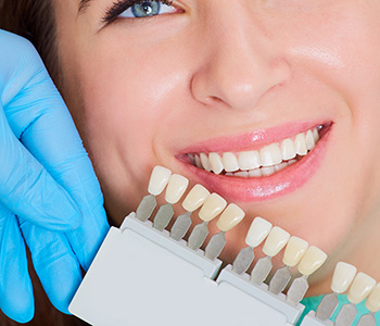 Get your picture-perfect smile with porcelain veneers in Milton